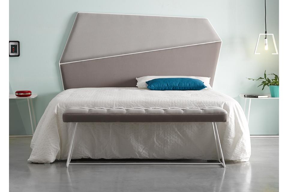 Cabezal de cama con marco de varilla metalica curvada - Cabezal de cama tapizado ...